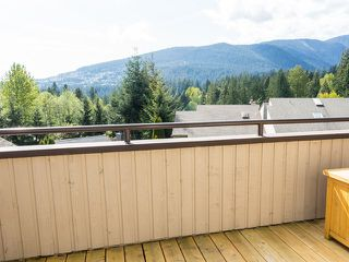 Photo 3: 5620 EAGLE Court in North Vancouver: Grouse Woods House for sale : MLS®# V1140825