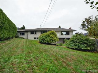Photo 15: 3058 Henderson Rd in VICTORIA: OB Henderson House for sale (Oak Bay)  : MLS®# 714370