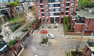 """Photo 8: 703 977 MAINLAND Street in Vancouver: Yaletown Condo for sale in """"YALETOWN PARK 3"""" (Vancouver West)  : MLS®# R2048985"""
