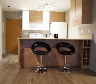 """Photo 4: 703 977 MAINLAND Street in Vancouver: Yaletown Condo for sale in """"YALETOWN PARK 3"""" (Vancouver West)  : MLS®# R2048985"""