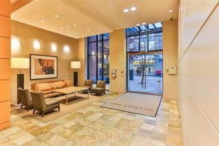 """Photo 3: 703 977 MAINLAND Street in Vancouver: Yaletown Condo for sale in """"YALETOWN PARK 3"""" (Vancouver West)  : MLS®# R2048985"""