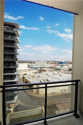 Photo 9: 701 75 W The Donway Way in Toronto: Banbury-Don Mills Condo for sale (Toronto C13)  : MLS®# C3482850