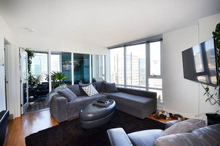 Photo 2: 2802 233 ROBSON Street in Vancouver: Downtown VW Condo for sale (Vancouver West)  : MLS®# R2068442