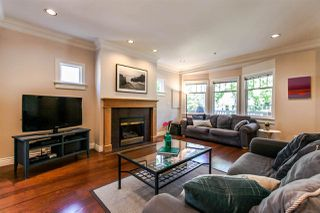 Photo 2: 28 W 14TH Avenue in Vancouver: Mount Pleasant VW Townhouse for sale (Vancouver West)  : MLS®# R2075233