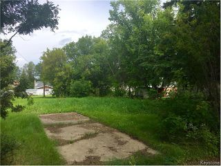 Photo 2: 112 6th Avenue Southeast in Dauphin: Southeast Residential for sale (R30 - Dauphin and Area)  : MLS®# 1622128