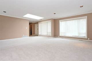 Photo 4: 6625 180 Street in Surrey: Cloverdale BC House for sale (Cloverdale)  : MLS®# R2104517