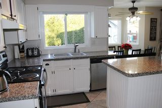 """Photo 5: 4914 209 Street in Langley: Langley City House for sale in """"Newlands"""" : MLS®# R2176872"""