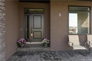 Photo 2: 5 Frank Street: Oakbank Residential for sale (R04)  : MLS®# 1723394