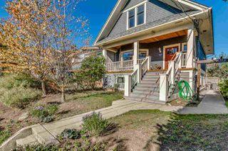 """Photo 2: 1237 E 14TH Avenue in Vancouver: Mount Pleasant VE House for sale in """"MOUNT PLEASANT"""" (Vancouver East)  : MLS®# R2211831"""