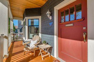 """Photo 3: 1237 E 14TH Avenue in Vancouver: Mount Pleasant VE House for sale in """"MOUNT PLEASANT"""" (Vancouver East)  : MLS®# R2211831"""