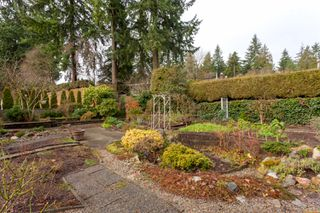 """Photo 36: 4195 DONCASTER Way in Vancouver: Dunbar House for sale in """"DUNBAR"""" (Vancouver West)  : MLS®# R2238162"""