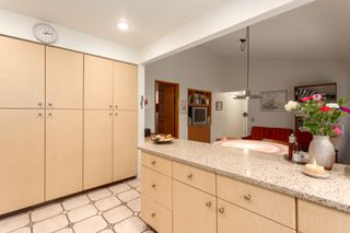 """Photo 13: 4195 DONCASTER Way in Vancouver: Dunbar House for sale in """"DUNBAR"""" (Vancouver West)  : MLS®# R2238162"""