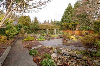 """Photo 33: 4195 DONCASTER Way in Vancouver: Dunbar House for sale in """"DUNBAR"""" (Vancouver West)  : MLS®# R2238162"""
