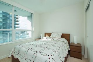 "Photo 8: 704 112 E 13TH Street in North Vancouver: Lower Lonsdale Condo for sale in ""CENTREVIEW"" : MLS®# R2243856"