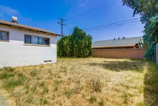 Photo 8: EL CAJON House for sale : 3 bedrooms : 521 Wayne Ave.