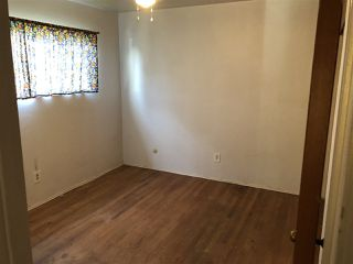 Photo 4: EL CAJON House for sale : 3 bedrooms : 521 Wayne Ave.