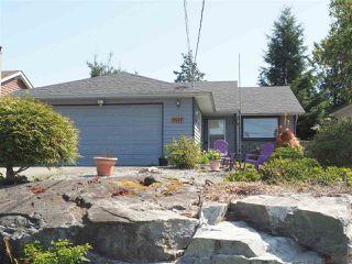 "Photo 2: 5452 KENSINGTON Road in Sechelt: Sechelt District House for sale in ""West Sechelt"" (Sunshine Coast)  : MLS®# R2261374"