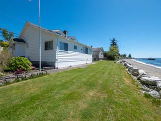 Main Photo: 4831 SUNSHINE COAST Highway in Sechelt: Sechelt District House for sale (Sunshine Coast)  : MLS®# R2267739