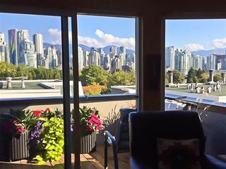 "Photo 9: 4 1063 W 7TH Avenue in Vancouver: Fairview VW Townhouse for sale in ""MARINA TERRACE"" (Vancouver West)  : MLS®# R2302343"