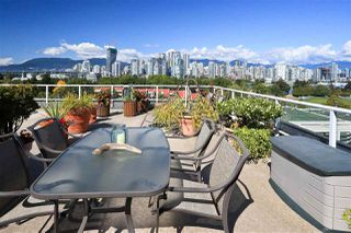 "Photo 19: 4 1063 W 7TH Avenue in Vancouver: Fairview VW Townhouse for sale in ""MARINA TERRACE"" (Vancouver West)  : MLS®# R2302343"