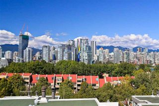 "Photo 3: 4 1063 W 7TH Avenue in Vancouver: Fairview VW Townhouse for sale in ""MARINA TERRACE"" (Vancouver West)  : MLS®# R2302343"