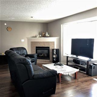 Photo 3: 9015 187 Street in Edmonton: Zone 20 House for sale : MLS®# E4142746