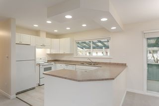 Photo 2: 5483 CHESTNUT Crescent in Delta: Delta Manor House for sale (Ladner)  : MLS®# R2340663