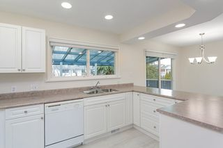 Photo 3: 5483 CHESTNUT Crescent in Delta: Delta Manor House for sale (Ladner)  : MLS®# R2340663