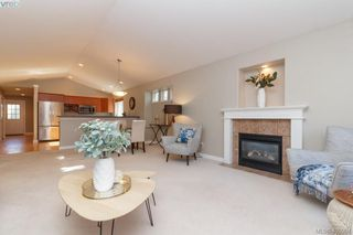 Photo 6: 1 96 Talcott Rd in VICTORIA: VR Hospital House for sale (View Royal)  : MLS®# 806873