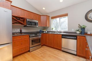 Photo 13: 1 96 Talcott Rd in VICTORIA: VR Hospital House for sale (View Royal)  : MLS®# 806873