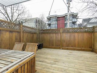 "Photo 10: 102 550 E 7TH Avenue in Vancouver: Mount Pleasant VE Condo for sale in ""Carolina Manor"" (Vancouver East)  : MLS®# R2349207"