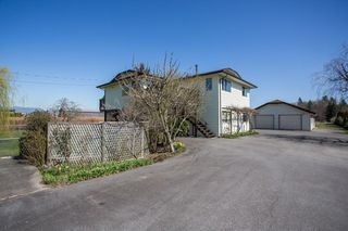 Photo 1: 3316 168 Street in Surrey: Serpentine House for sale (Cloverdale)  : MLS®# R2354337