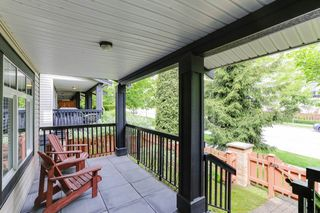 "Photo 2: 8 19448 68 Avenue in Surrey: Clayton Townhouse for sale in ""Nuovo"" (Cloverdale)  : MLS®# R2368911"