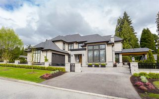Photo 1: 924 CAITHNESS Crescent in Port Moody: Glenayre House for sale : MLS®# R2371608
