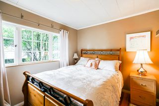 Photo 13: 517 W 23RD Street in North Vancouver: Central Lonsdale House for sale : MLS®# R2374741
