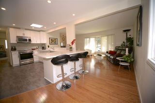 Photo 3: 6412 36 Avenue in Edmonton: Zone 29 House for sale : MLS®# E4159145