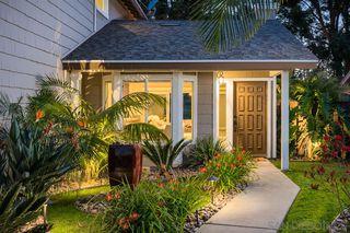 Photo 2: VISTA House for sale : 3 bedrooms : 972 Ashton Court
