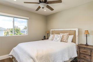 Photo 12: VISTA House for sale : 3 bedrooms : 972 Ashton Court