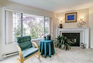 "Photo 4: 3 1160 INLET Street in Coquitlam: New Horizons Townhouse for sale in ""Camelot"" : MLS®# R2386788"