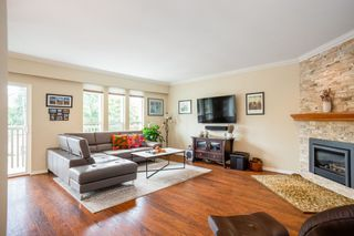 """Photo 2: 249 ANGELA Drive in Port Moody: College Park PM House for sale in """"College Park"""" : MLS®# R2387582"""