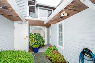 "Photo 2: 6071 W BOUNDARY Drive in Surrey: Panorama Ridge Townhouse for sale in ""BOUNDARY PARK"" : MLS®# R2445445"