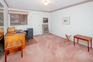 """Photo 10: 6071 W BOUNDARY Drive in Surrey: Panorama Ridge Townhouse for sale in """"BOUNDARY PARK"""" : MLS®# R2445445"""