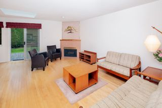 "Photo 4: 6071 W BOUNDARY Drive in Surrey: Panorama Ridge Townhouse for sale in ""BOUNDARY PARK"" : MLS®# R2445445"