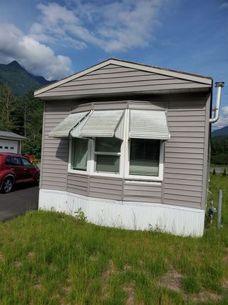 "Photo 2: 46 65367 KAWKAWA LAKE Road in Hope: Hope Kawkawa Lake Manufactured Home for sale in ""Crystal River"" : MLS®# R2473901"
