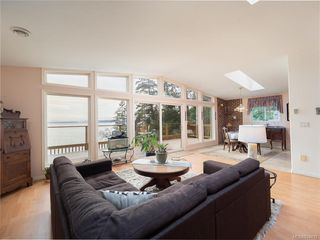 Photo 4: 7931 Plumper Way in Pender Island: GI Pender Island House for sale (Gulf Islands)  : MLS®# 834418