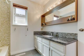 """Photo 9: 5159 GALWAY Drive in Delta: Pebble Hill House for sale in """"PEBBLE HILL"""" (Tsawwassen)  : MLS®# R2485472"""