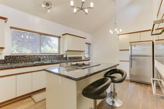 """Photo 15: 5159 GALWAY Drive in Delta: Pebble Hill House for sale in """"PEBBLE HILL"""" (Tsawwassen)  : MLS®# R2485472"""