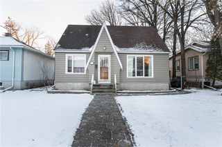 Photo 1: 56 Cunnington Avenue in Winnipeg: Elm Park Residential for sale (2C)  : MLS®# 202028834