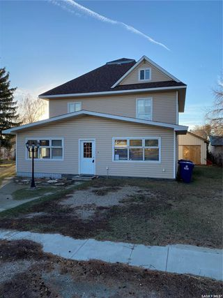 Photo 1: 818 6th Street in Perdue: Residential for sale : MLS®# SK838855