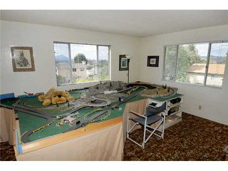 Photo 13: RAMONA House for sale : 3 bedrooms : 807 7th